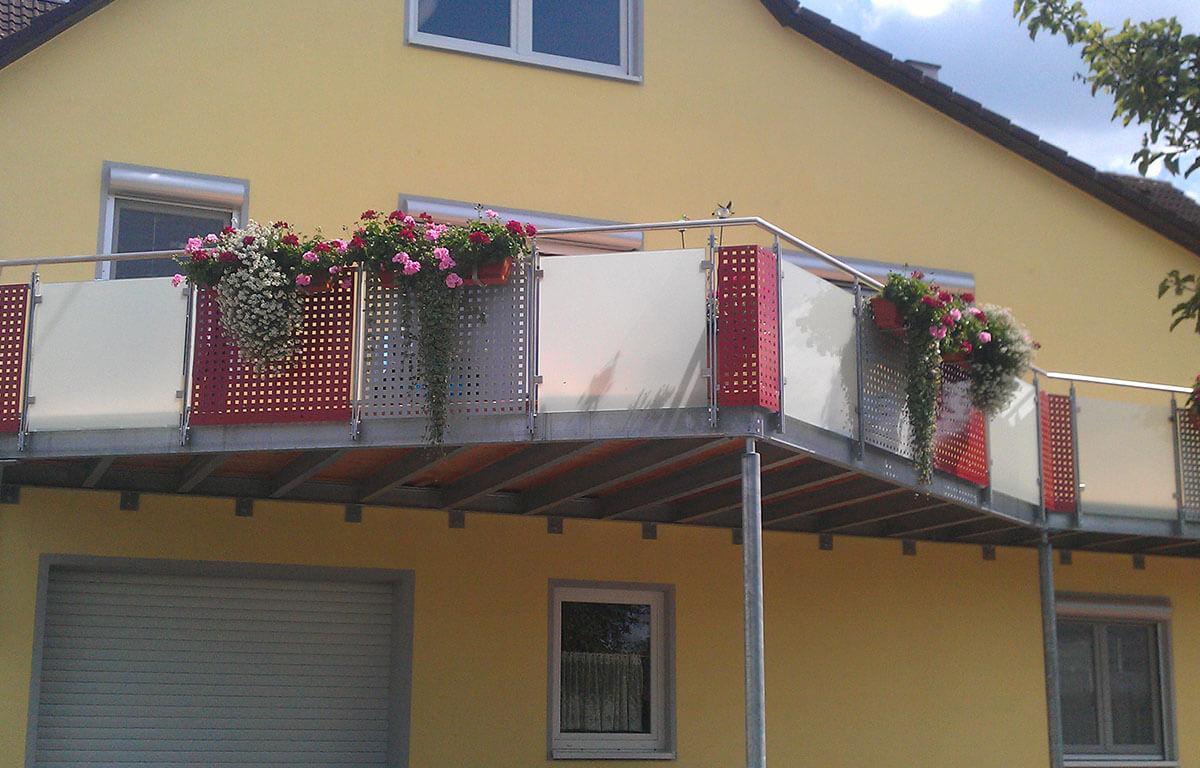 Balkone Treppen Tore Zaune Uberdachungen Und Mehr Aus Metall
